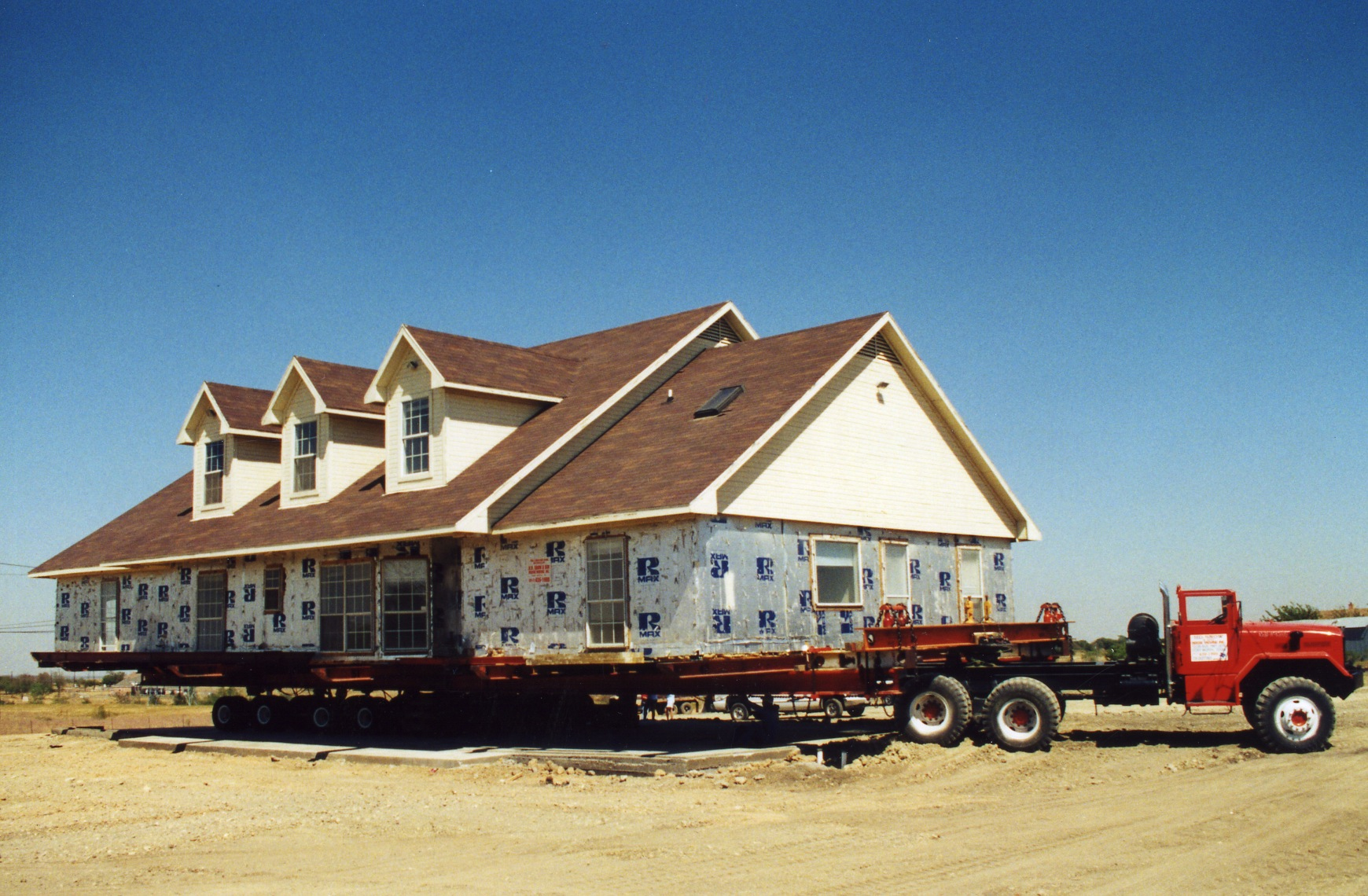 Photos h d snow and son house moving inc for Slab homes